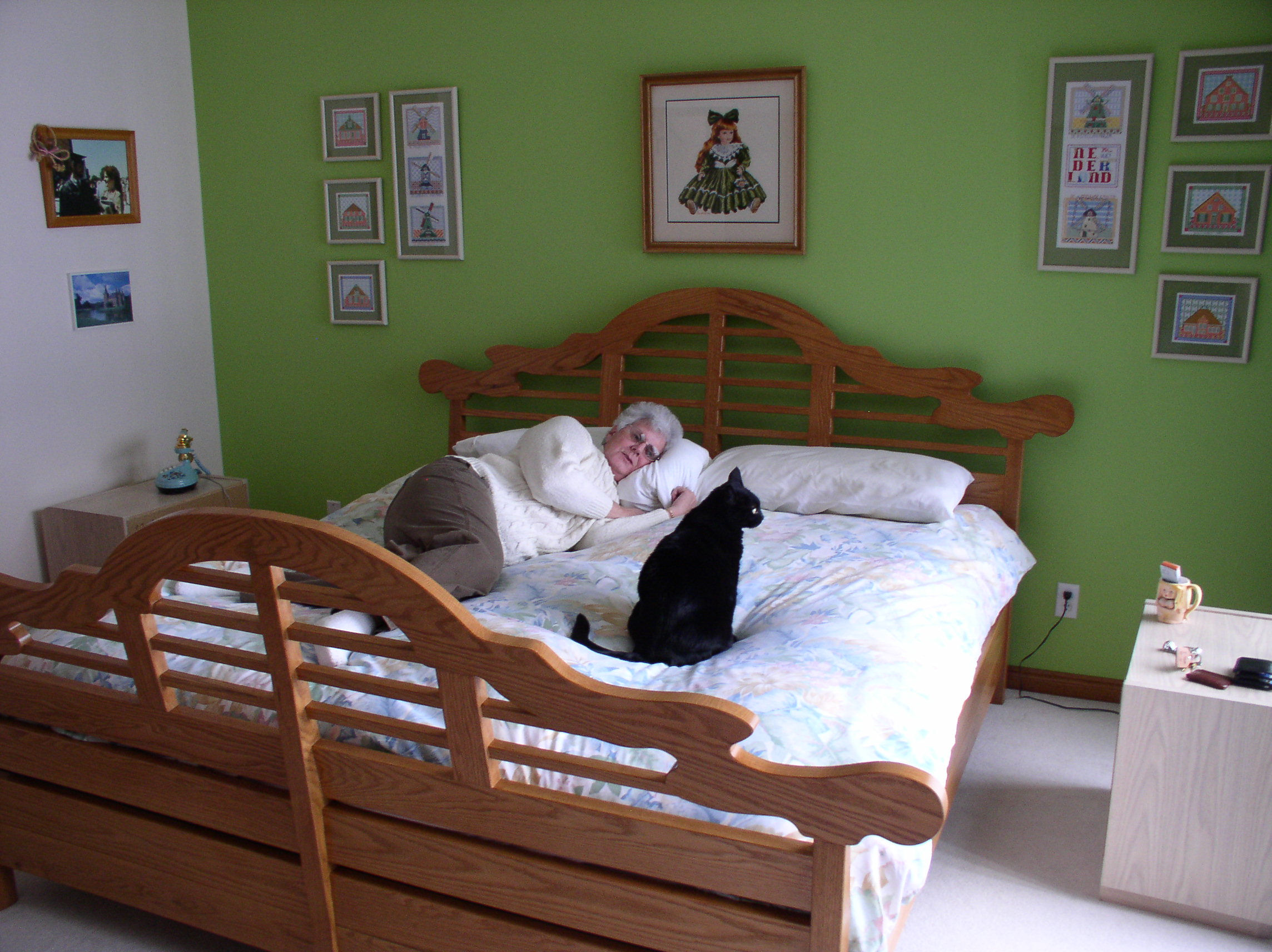 35: King Size Bed Used. High Resolution (671 KB)